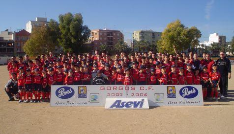 Niños de la Escuela de Fútbol del Gorgos CF