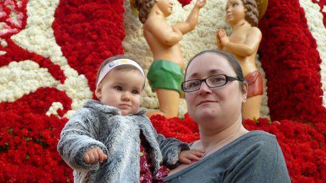 Con mi mamá en la Plaza de la Virgen