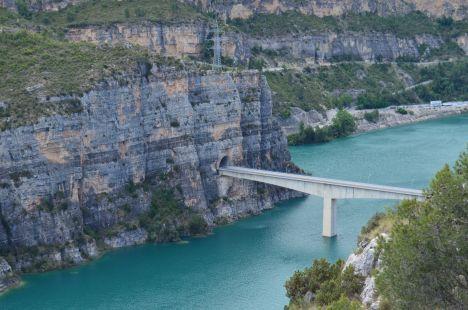 Cortes de Pallas.Puente