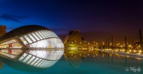 Ciudad de last artes y las ciencias en la noche