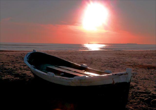 La Malvarrosa, barca varada